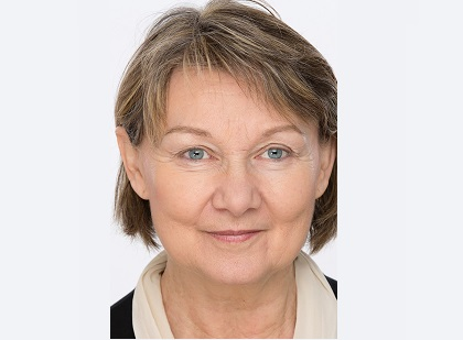 Dr.  Charlotte Kirnbauer